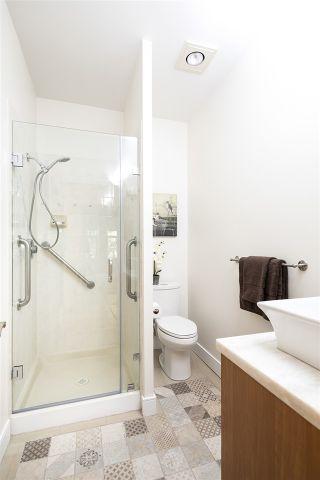 Photo 15: 507 121 W 29TH Street in North Vancouver: Upper Lonsdale Condo for sale : MLS®# R2187610