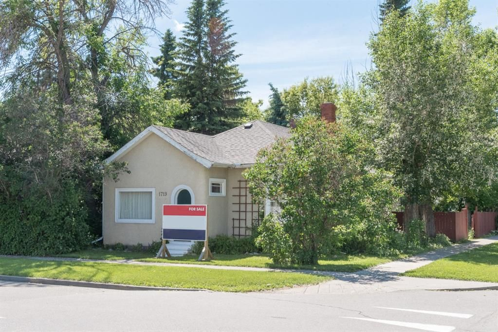 Main Photo: 1719 2 Street NW in Calgary: Mount Pleasant Land for sale : MLS®# C4302438