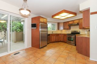 """Photo 6: 6882 YEOVIL Place in Burnaby: Montecito House for sale in """"Montecito"""" (Burnaby North)  : MLS®# V1119163"""