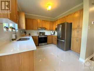 Photo 10: 22 GREATWOOD CRESCENT in Ottawa: House for sale : MLS®# 1258576