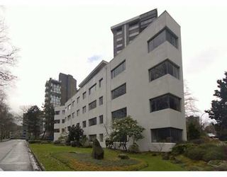 """Photo 2: 2015 HARO Street in Vancouver: West End VW Condo for sale in """"ARNISTON APARTMENTS"""" (Vancouver West)  : MLS®# V626262"""