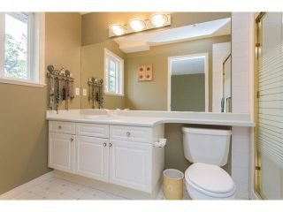 """Photo 9: 2 15432 16A Avenue in Surrey: King George Corridor Townhouse for sale in """"Carlton Court"""" (South Surrey White Rock)  : MLS®# F1449185"""