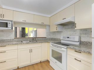 """Photo 11: 6 960 W 13TH Avenue in Vancouver: Fairview VW Townhouse for sale in """"BRICKHOUSE"""" (Vancouver West)  : MLS®# R2381516"""
