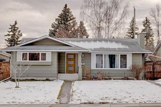 Photo 1: 611 WOODSWORTH Road SE in Calgary: Willow Park Detached for sale : MLS®# C4216444