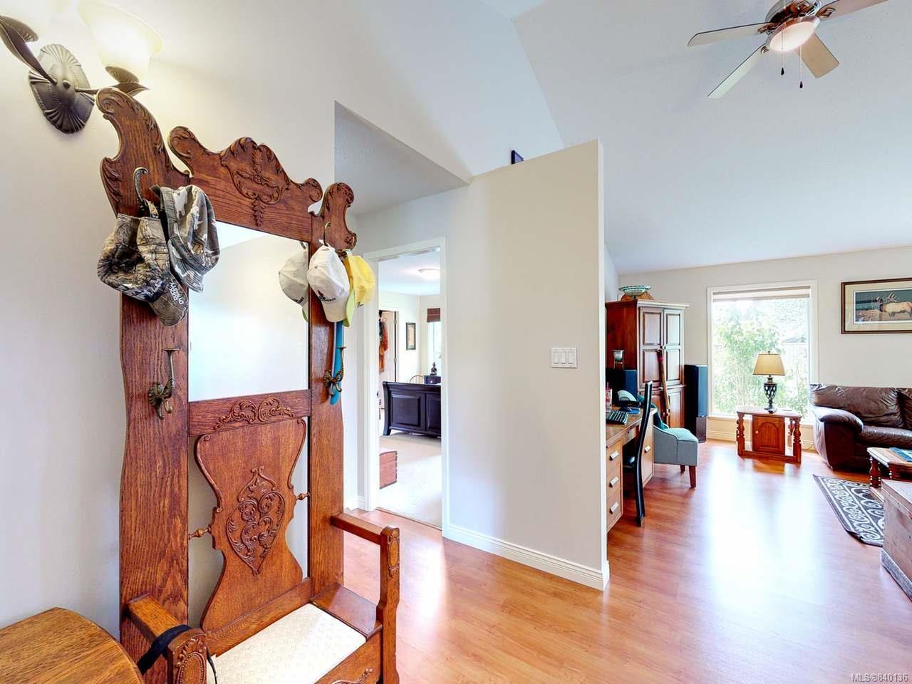Photo 3: Photos: 5484 W Woodland Cres in PORT ALBERNI: PA Port Alberni House for sale (Port Alberni)  : MLS®# 840136