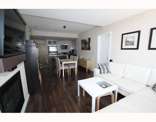 """Photo 2: 2905 2289 YUKON Crescent in Burnaby: Brentwood Park Condo for sale in """"Watercolours"""" (Burnaby North)  : MLS®# V777043"""