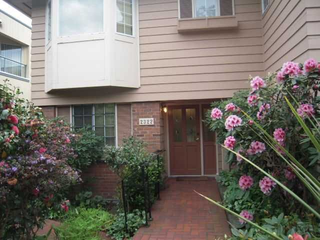 Main Photo: 2322 MARINE Drive in West Vancouver: Dundarave 1/2 Duplex for sale : MLS®# V824033