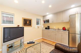 Photo 15: 1039 E 10TH Avenue in Vancouver: Mount Pleasant VE 1/2 Duplex for sale (Vancouver East)  : MLS®# R2442601
