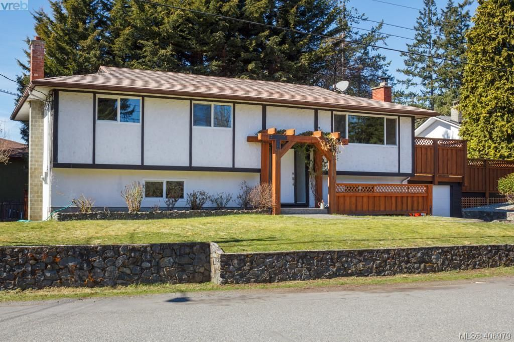 Main Photo: 3170 Anders Rd in VICTORIA: La Glen Lake House for sale (Langford)  : MLS®# 808860