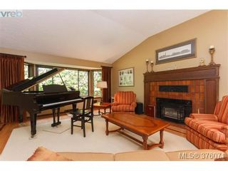 Photo 3: 686 Cromarty Ave in NORTH SAANICH: NS Ardmore House for sale (North Saanich)  : MLS®# 754969