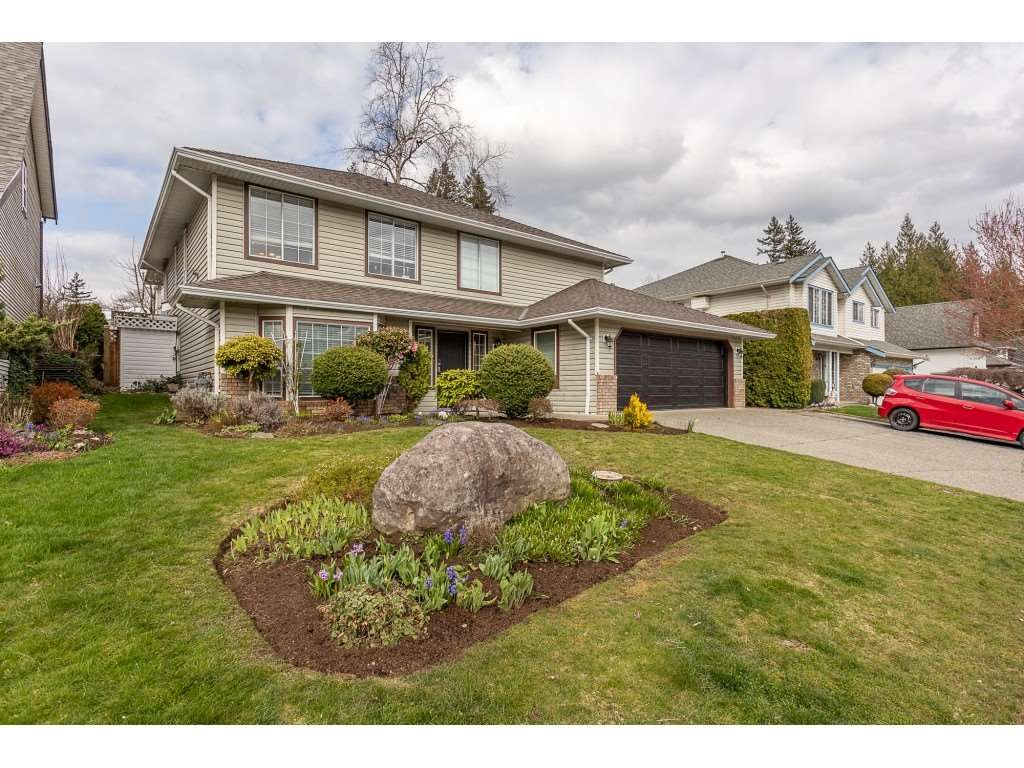 Photo 2: Photos: 35275 BELANGER Drive in Abbotsford: Abbotsford East House for sale : MLS®# R2558993