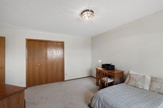 Photo 27: 927 Shawnee Drive SW in Calgary: Shawnee Slopes Detached for sale : MLS®# A1123376