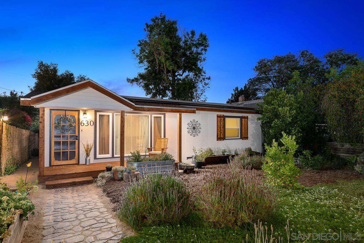 Main Photo: SOUTH ESCONDIDO House for sale : 3 bedrooms : 630 E 4Th Ave in Escondido