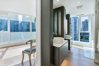 """Photo 12: 1303 1499 W PENDER Street in Vancouver: Coal Harbour Condo for sale in """"West Pender Place"""" (Vancouver West)  : MLS®# R2613558"""