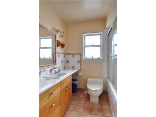 """Photo 7: 3551 WALKER ST in Vancouver: Grandview VE House for sale in """"TROUT LAKE"""" (Vancouver East)  : MLS®# V875248"""