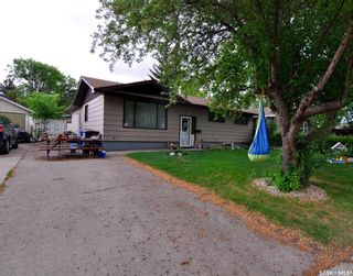 Photo 1: 107 Spinks Drive in Saskatoon: West College Park Residential for sale : MLS®# SK847470