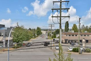 """Photo 14: 312 19936 56 Avenue in Langley: Langley City Condo for sale in """"Bearing Ponte"""" : MLS®# R2615876"""