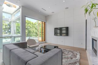 Photo 4: 782 W 22ND AVENUE in Vancouver: Cambie House for sale (Vancouver West)  : MLS®# R2461365