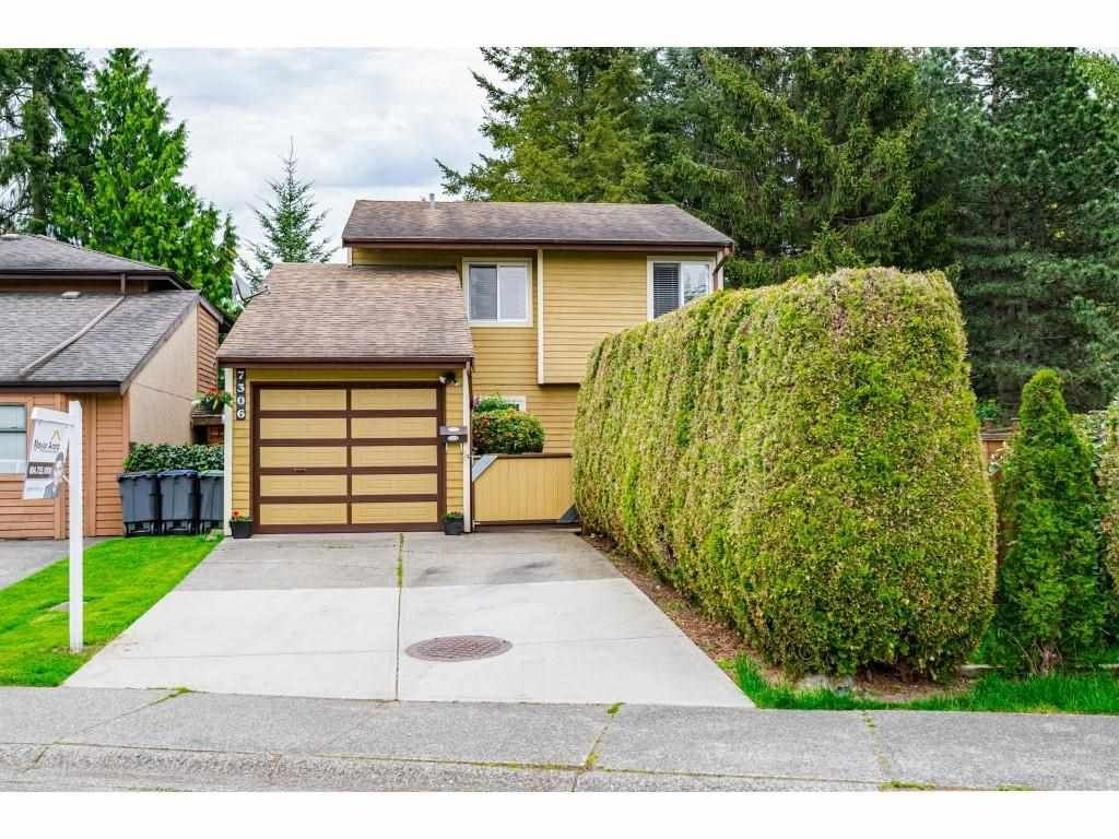 Main Photo: 7306 PARKWOOD Drive in Surrey: West Newton House for sale : MLS®# R2575072