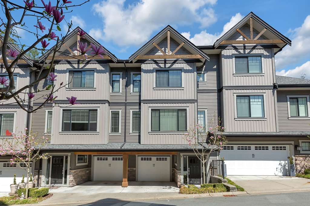 """Main Photo: 6 23709 111A Avenue in Maple Ridge: Cottonwood MR Townhouse for sale in """"FALCON HILLS"""" : MLS®# R2570250"""