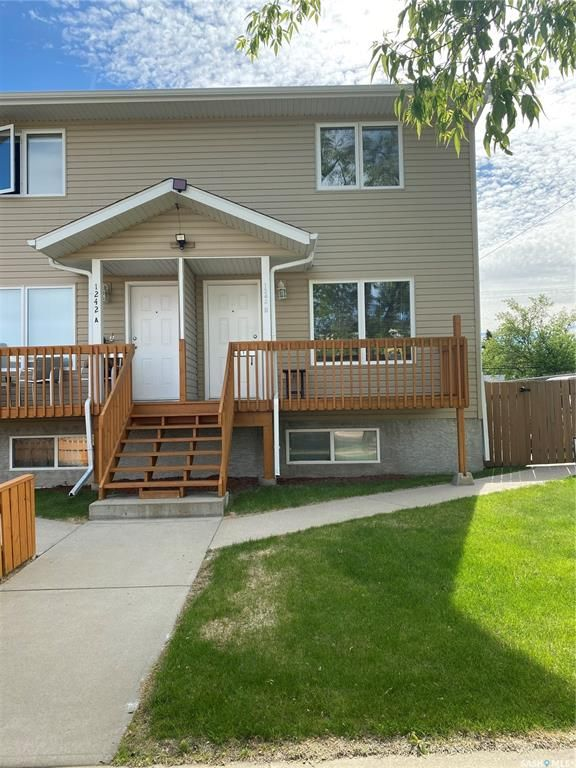 Main Photo: 1242B 105th Street in North Battleford: Paciwin Residential for sale : MLS®# SK859353
