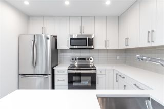 """Photo 13: 101 217 CLARKSON Street in New Westminster: Downtown NW Townhouse for sale in """"Irving Living"""" : MLS®# R2545600"""