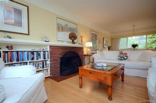 Photo 3: 3402 Henderson Rd in VICTORIA: OB Henderson House for sale (Oak Bay)  : MLS®# 696340