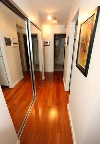"""Photo 11: 212 131 W 4TH Street in North Vancouver: Lower Lonsdale Condo for sale in """"Nottingham Place"""" : MLS®# R2239655"""