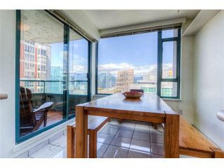 """Photo 4: 2204 888 HAMILTON Street in Vancouver: Yaletown Condo for sale in """"Rosedale Garden Residences"""" (Vancouver West)  : MLS®# R2095328"""