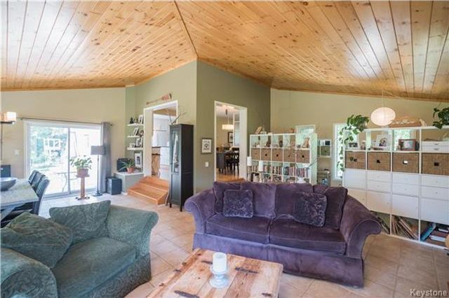 Photo 8: Photos: 28040 Hillside Road in Birds Hill: RM of Springfield Residential for sale (R04)  : MLS®# 1723179