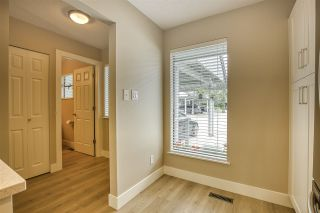 """Photo 12: 15879 ALDER Place in Surrey: King George Corridor Townhouse for sale in """"ALDERWOOD"""" (South Surrey White Rock)  : MLS®# R2471622"""