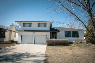 Photo 1: 63 Dickens Drive in Winnipeg: Residential for sale (5G)  : MLS®# 202107088