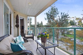 """Photo 18: 304 20433 53 Avenue in Langley: Langley City Condo for sale in """"Countryside Estates"""" : MLS®# R2254619"""