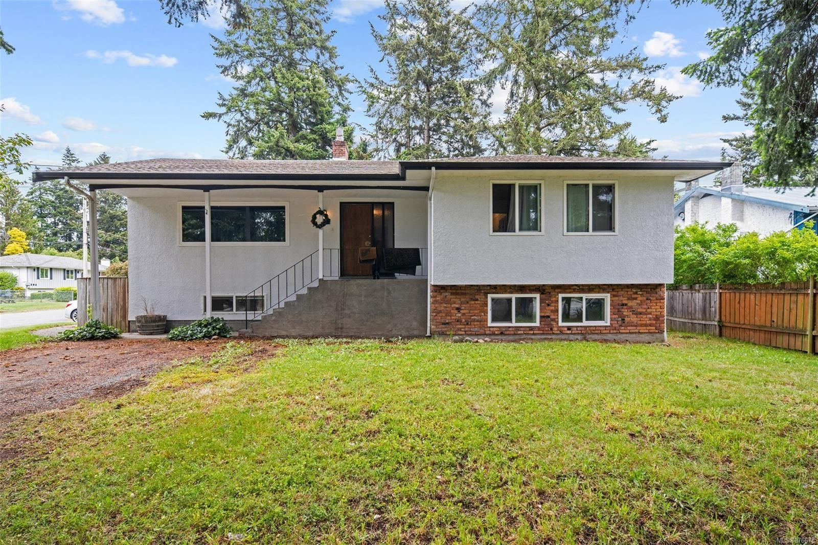 Main Photo: 3119 Metchosin Rd in Colwood: Co Wishart North House for sale : MLS®# 876678