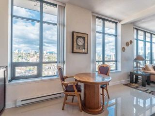 """Photo 6: 2101 1 RENAISSANCE Square in New Westminster: Quay Condo for sale in """"The Q"""" : MLS®# R2594714"""