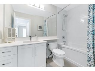 """Photo 30: 17 15717 MOUNTAIN VIEW Drive in Surrey: Grandview Surrey Townhouse for sale in """"Olivia"""" (South Surrey White Rock)  : MLS®# R2572266"""