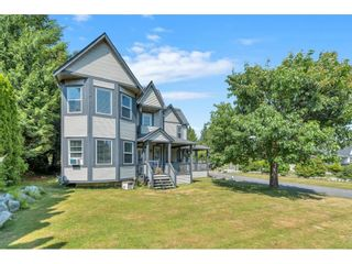 Photo 2: 34129 YORK Avenue in Mission: Mission BC House for sale : MLS®# R2598957