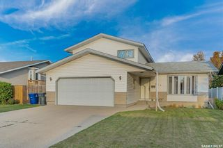 Photo 1: 516 8th Avenue North in Warman: Residential for sale : MLS®# SK872081