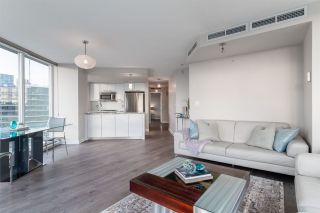 Photo 5: 1906 918 Cooperage Way in Vancouver: Yaletown Condo for sale (Vancouver West)  : MLS®# R2539627