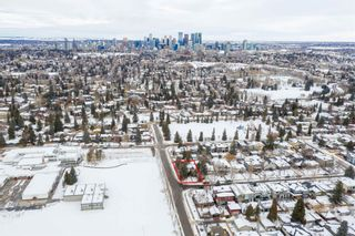 Photo 1: 540 48 Avenue SW in Calgary: Elboya Detached for sale : MLS®# A1059690