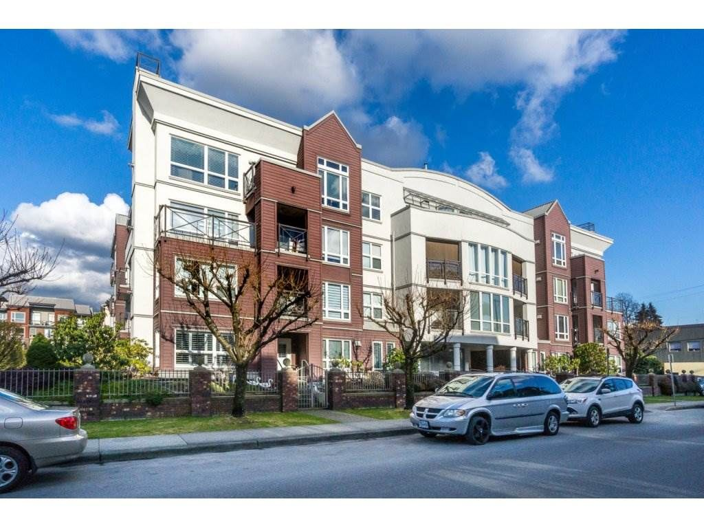 """Main Photo: 404 2335 WHYTE Avenue in Port Coquitlam: Central Pt Coquitlam Condo for sale in """"CHANELLOR'S COURT"""" : MLS®# R2141689"""