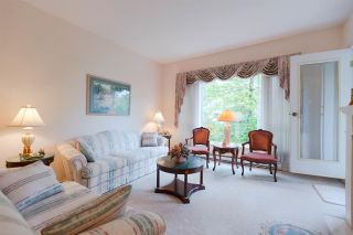 """Photo 6: 301 5262 OAKMOUNT Crescent in Burnaby: Oaklands Condo for sale in """"Sr. Andrews in the Oaklands"""" (Burnaby South)  : MLS®# R2271001"""
