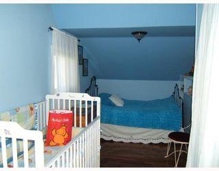 Photo 5: 242 ROBERTA Avenue in WINNIPEG: East Kildonan Single Family Detached for sale (North East Winnipeg)  : MLS®# 2717227