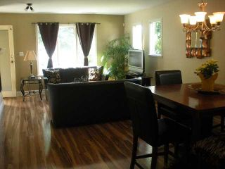 Photo 2: 1584 BOWSER Avenue in North Vancouver: Norgate Townhouse for sale : MLS®# V964462