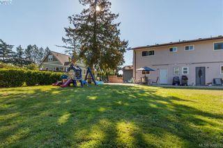 Photo 19: 622 Broadway St in VICTORIA: SW Glanford Half Duplex for sale (Saanich West)  : MLS®# 797925