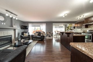 Photo 3: 2927 26 Ave NW in Edmonton: House for sale