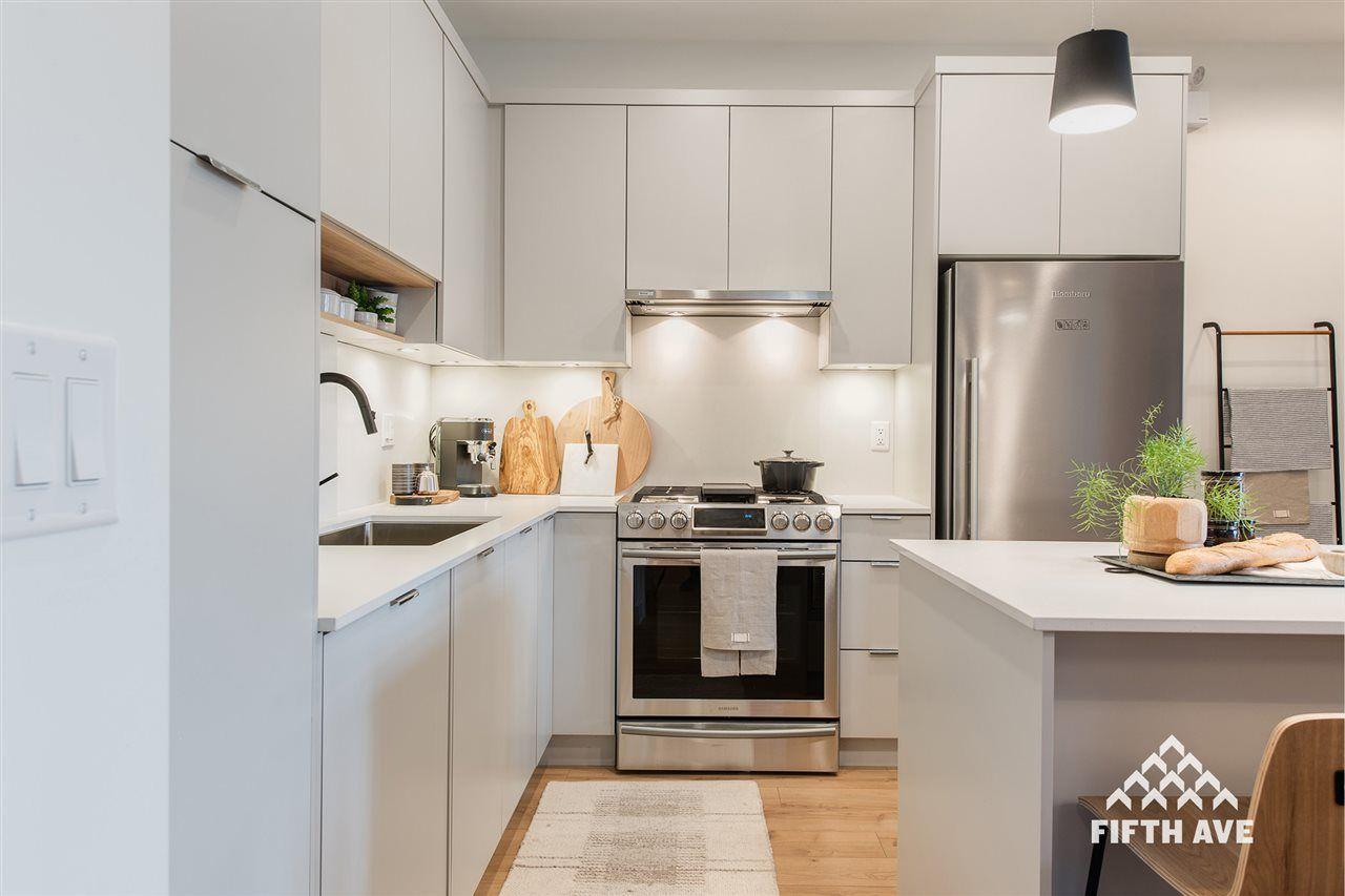 "Main Photo: 324 2485 MONTROSE Avenue in Abbotsford: Central Abbotsford Condo for sale in ""Upper Montrose"" : MLS®# R2430830"