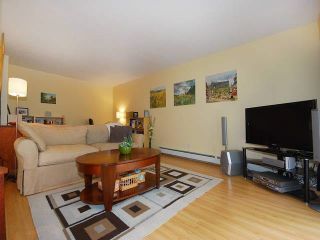 """Photo 13: 108 175 E 5TH Street in North Vancouver: Lower Lonsdale Condo for sale in """"WELLINGTON MANOR"""" : MLS®# V1121964"""