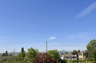 Photo 12: 268 E 9TH Street in North Vancouver: Central Lonsdale 1/2 Duplex for sale : MLS®# R2202728