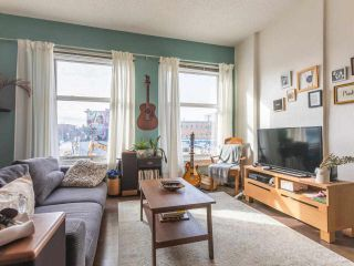 """Photo 9: 306 175 E BROADWAY in Vancouver: Mount Pleasant VE Condo for sale in """"Lee Building"""" (Vancouver East)  : MLS®# R2559820"""
